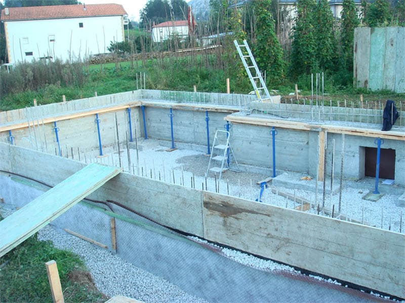 Construcción cimientos vivienda